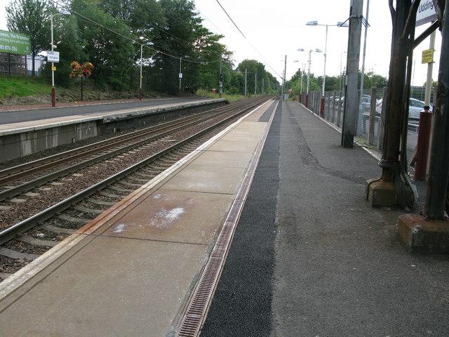 Uddingston railway station, looking West