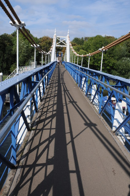 Suspension bridge at Teddington