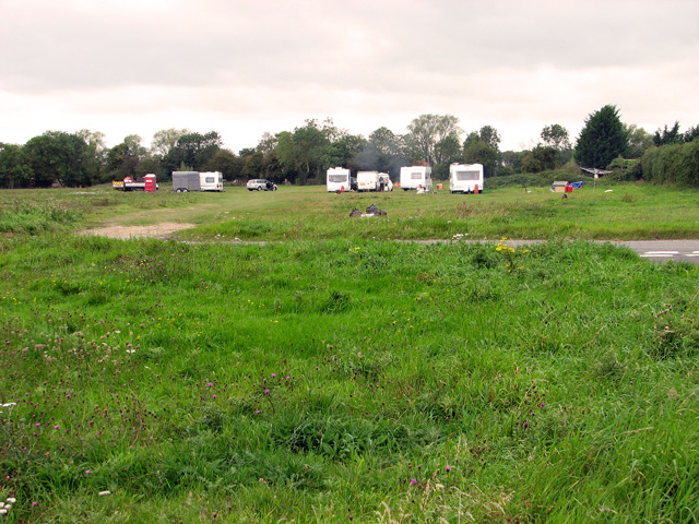 Travellers' camp on Wingfield Green