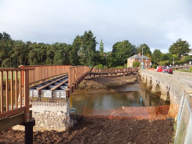 Construction of a new bridge over the River Clyst