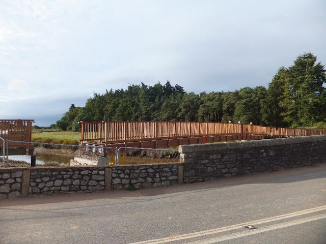 New bridge under construction over the River Clyst