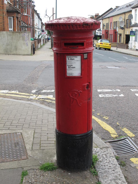 Victorian postbox, Villiers Road / Belton Road, NW2