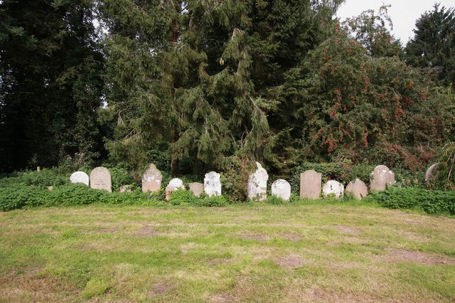 St Andrew, Thurning - Churchyard