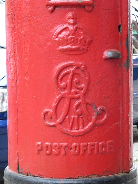 Edward VII postbox, Hawthorn Road / High Road, NW10 - royal cipher