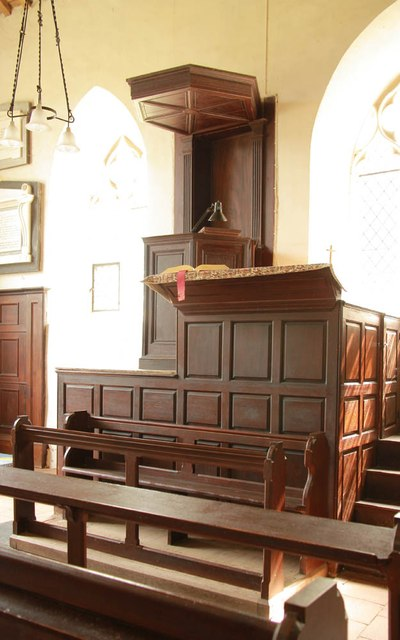 St Andrew, Thurning - Pulpit