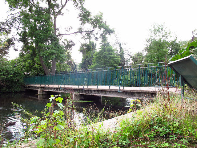 Footbridge across the Wandle