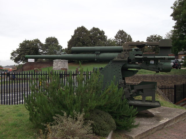 3.7 Inch Heavy Anti-aircraft Gun, Fort Amherst
