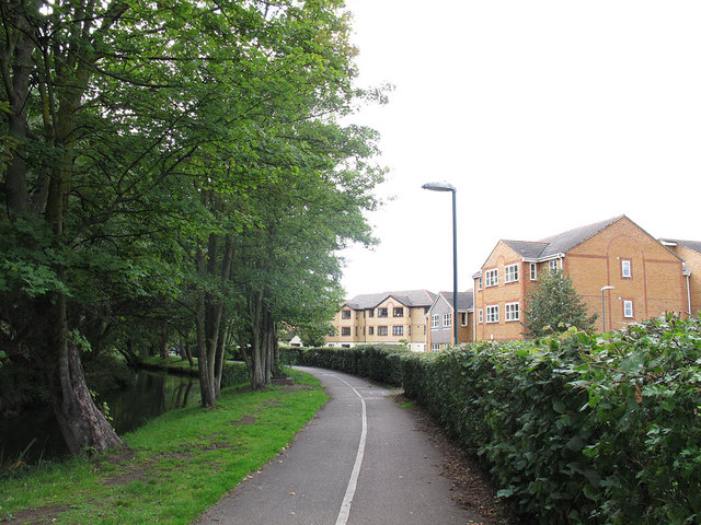 Wandle Trail near Beddington Corner