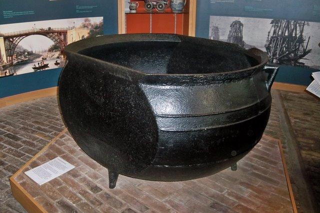 Cast Iron Pot - Museum of Iron