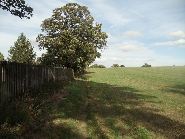 View along public footpath towards Lee Lane