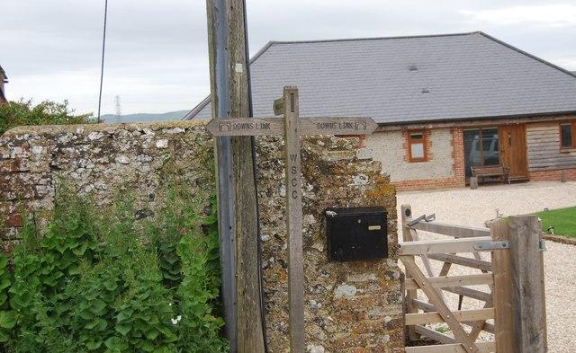 Downs Link signpost, Wyckham Farm