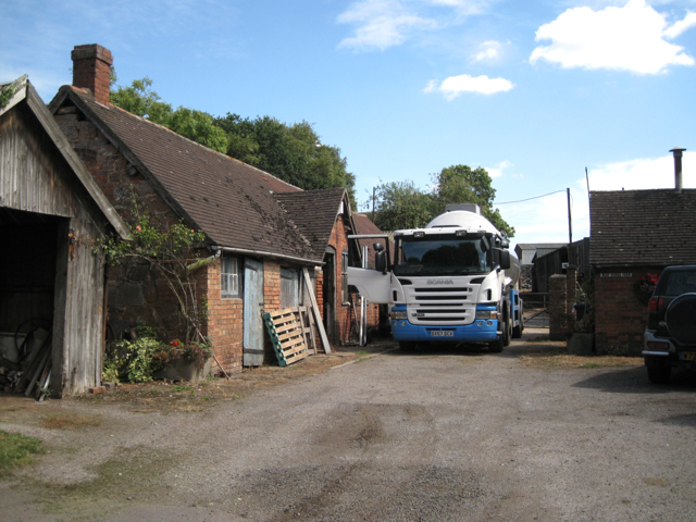 Collecting the milk, Moat House Farm