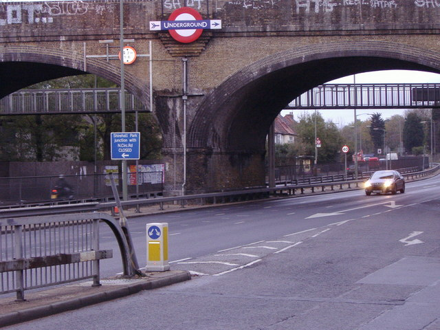 Northern Line bridge over the North Circular, Golders Green