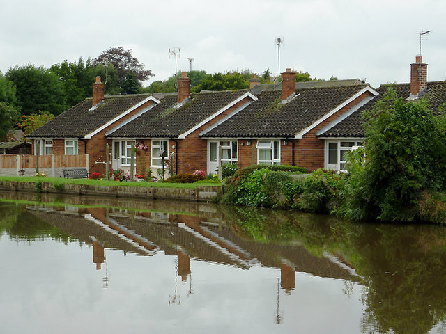 Canalside housing at Weston, Staffordshire