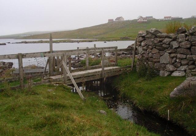 Huxter Loch, bridge across the outflow burn