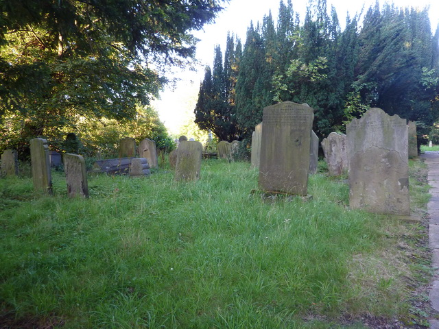 Parish Church of St Andrew, Lamesley, Graveyard