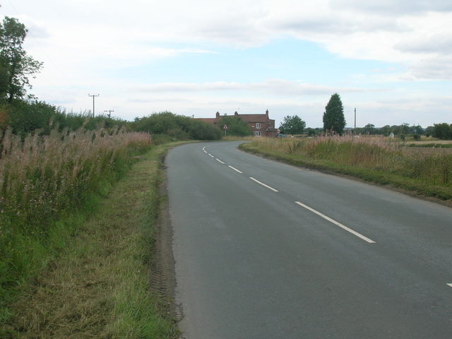 Balne Moor Road heading west