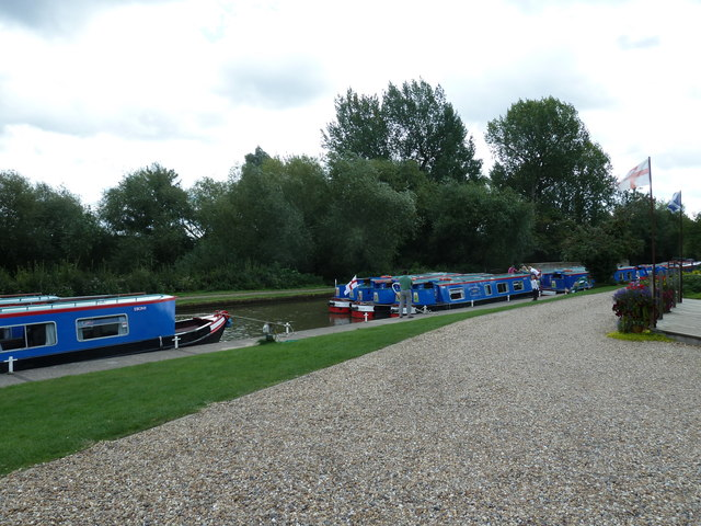 Canal boats by the Wyvern Shipping Company HQ