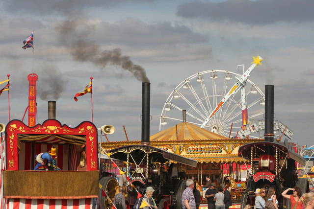 Showmans engines powering the funfair at the great british Steam Fair