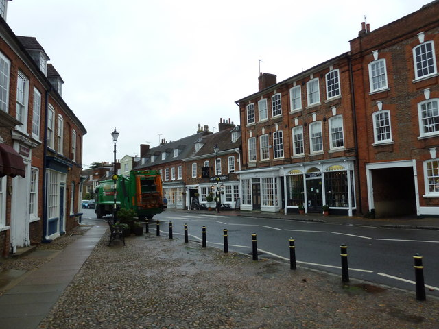 Dustcart in Bedford Street