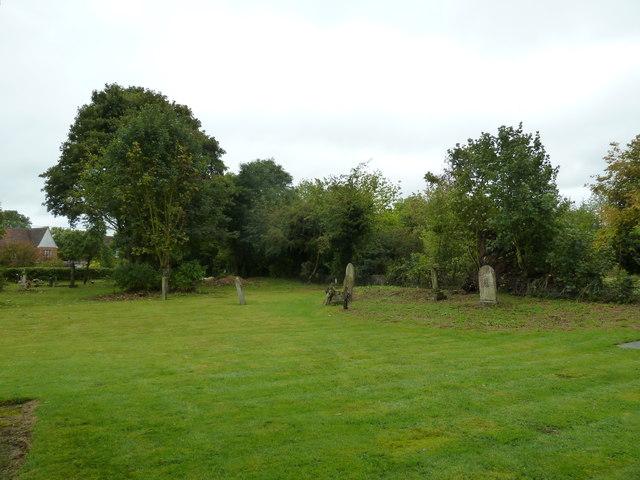 St. Peter, Milton Bryan: churchyard (A)
