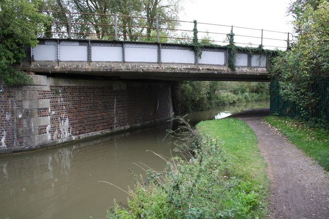 Rail bridge over Oxford Canal