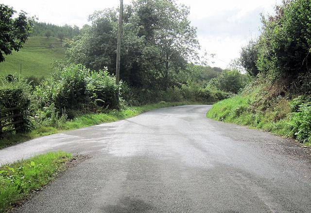 Sharp junction on Llanfyllin road