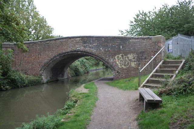 Oxford Canal bridge #236