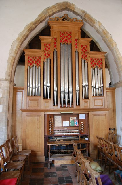 Organ in  Peasmarsh Church