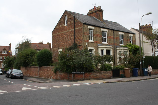 #63 Kingston Road at junction with Southmoor Road