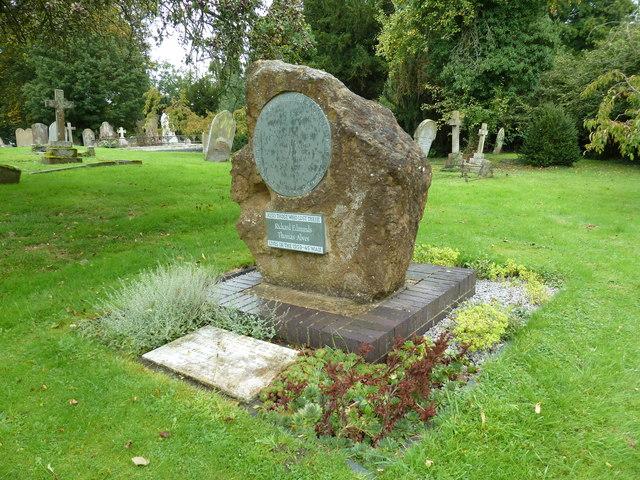 War memorial in Mentmore Churchyard