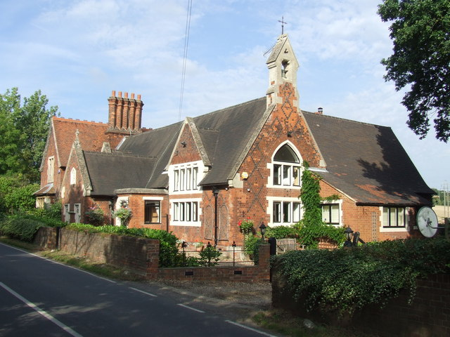 Former school, Fiddlers Hamlet near Epping
