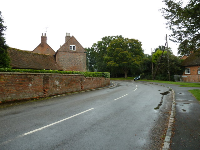 Bend in Cublington Road