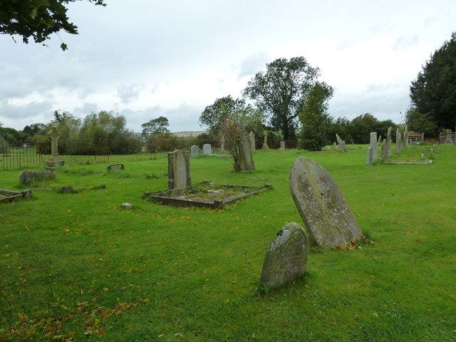 St Nicholas Churchyard, Cublington