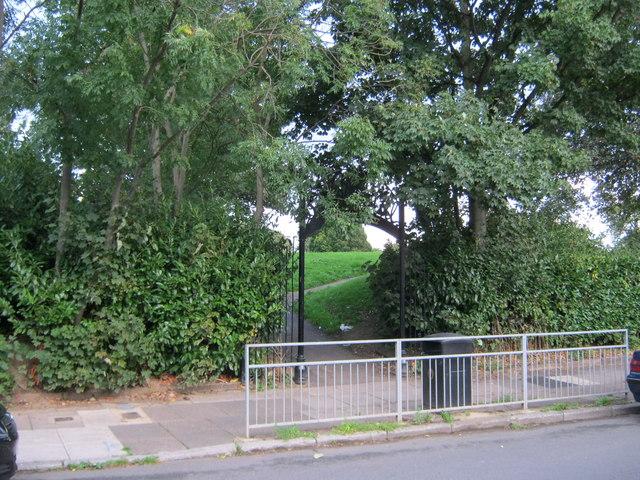 Western entrance to Sugar Hill Park in Darlington