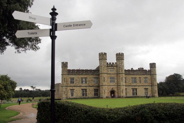 Leeds Castle Signpost, Kent