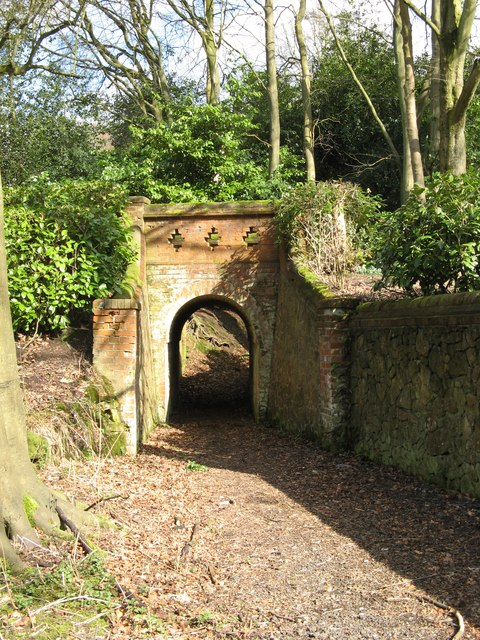 Tunnel for footpath under the drive leading to 'Parkhurst'