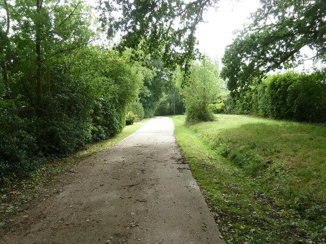 Concrete road and bridleway to Yokehurst