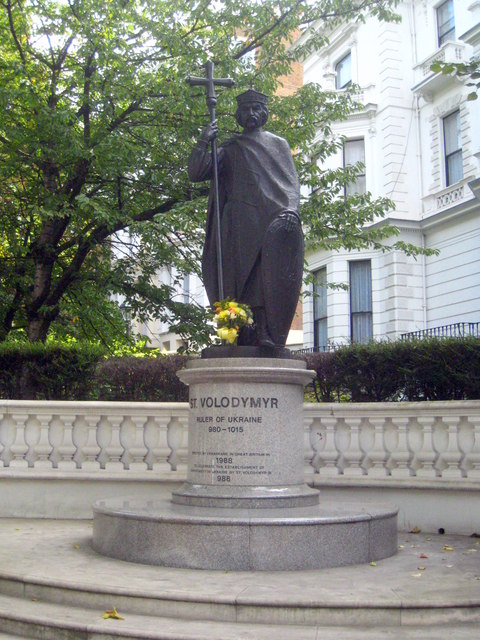 Statue of St Volodymyr in Holland Park Avenue