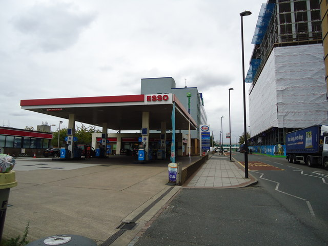 Petrol station, North Acton