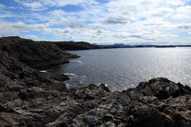 Coastline south of Rubh' Aird an-t-Sionnaich