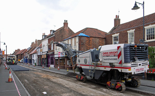Sunday Morning Road Works on High Street