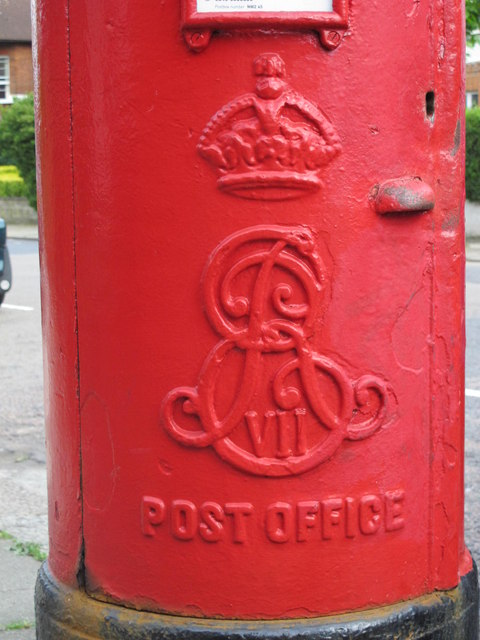 Edward VII postbox, Chatsworth Road / Coverdale Road, NW2 - royal cipher