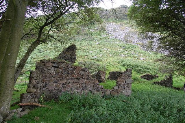 Ruins at Loudoun Hill