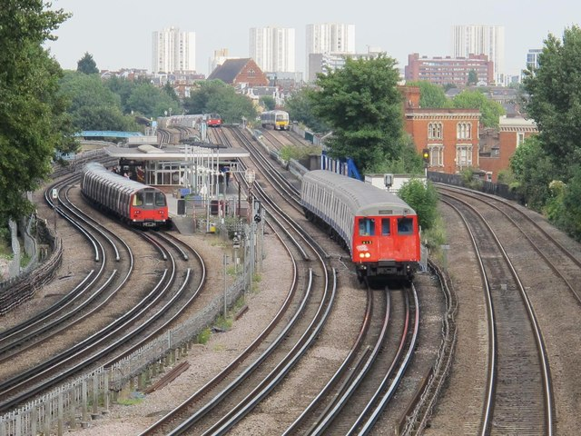 Railway and underground lines east of Mapesbury Road, NW2