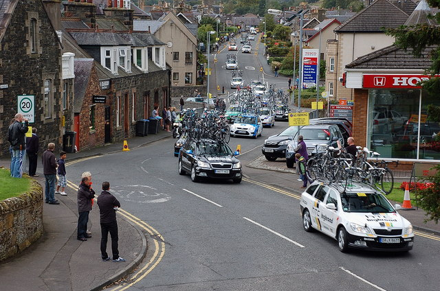 Support cars, 2011 Tour of Britain, Peebles