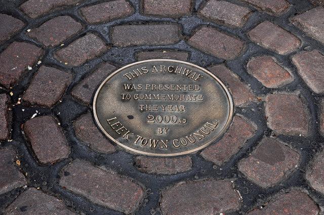 Millennium plaque, Getliffes Yard - Leek