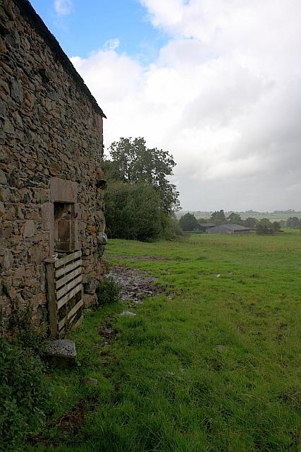 Barn near Grovefoot Farm