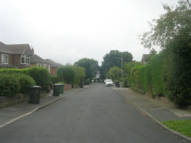 West End Close - looking towards West End Rise