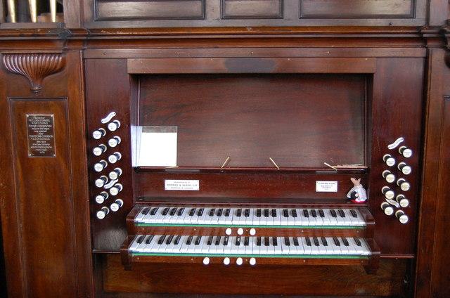Organ Console, Icklesham Church